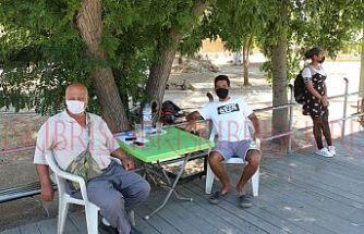 Sağlık için maske takın,  sosyal mesafeyi koruyun