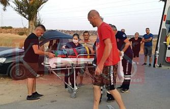Mehmetçik yol kavşağında kaza, 1 yaralı