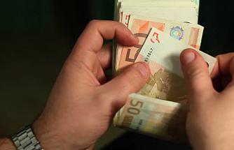 Güney Kıbrıs'ta 800 milyon Euro açık kaydedildi