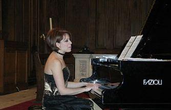 Sanatıyla dünyayı dolaşan  konser piyanisti; Rüya Taner