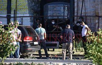 TIR'ın dorsesinde 7  göçmen yakalandı