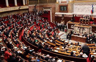 Fransa'da 'tartışmalı' güvenlik yasa tasarısı mecliste kabul edildi