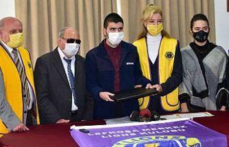 Lefkoşa Merkez Lions Kulübü,  Kaan Akan'a bilgisayar hediye etti