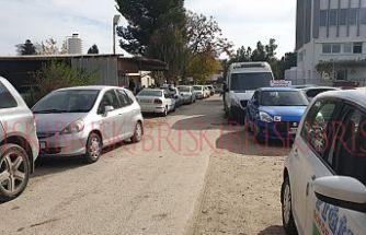 'Trafik kaosu'  ortasında  ehliyet sınavı