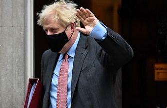 """Boris Johnson açıkladı:""""İngiltere'ye giriş çıkışlar kapatılacak"""""""