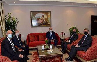 Cumhurbaşkanı Tatar Birleşik Krallık Yüksek Komiseri Lillie ve İngiliz Dışişleri Bakanlığı Yetkilisi Sharma ile bir araya geldi