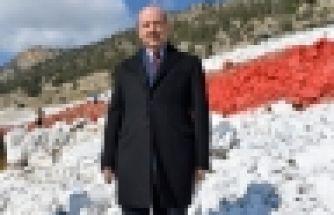 Cumhurbaşkanı Tatar, KKTC Bayrağının yeniden boyanması çalışmalarını yerinde inceledi