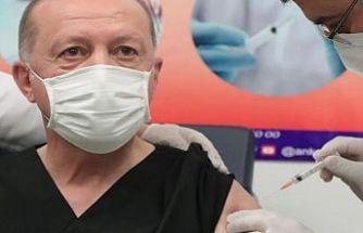 Türkiye Cumhurbaşkanı Recep Tayyip Erdoğan'dan aşı açıklaması: Evelallah sapasağlamım
