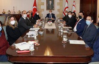 Cumhurbaşkanı Tatar, bir grup akademisyenle bir araya geldi