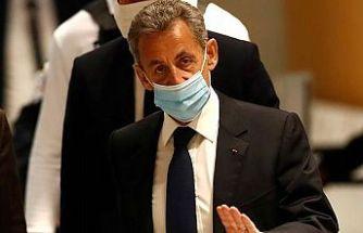 Eski Fransız Cumhurbaşkanı Sarkozy'ye 3 yıl hapis cezası