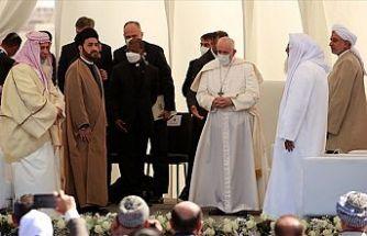 Papa Franciscus Irak'ta insanlığın karşılaştığı zorlukları görüştü