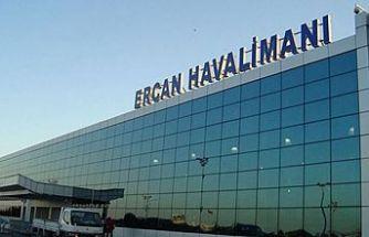 Ercan Havalimanı'nda yapılan jestler halkta infial yarattı