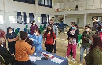 Okul hemşirelerine antijen testi uygulama eğitimi