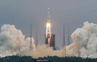 Çin roketi Hint Okyanusu'na düştü