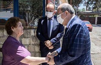 Cumhurbaşkanı Tatar bazı şehit eşlerine bayram ziyaretinde bulundu