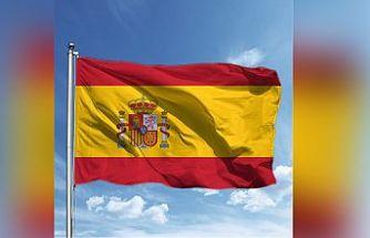 İspanya'da Kovid-19 nedeniyle uygulanan olağanüstü halin sona ermesiyle meydanlar doldu