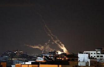 İsrail'in Gazze'ye saldırılarında 61'i çocuk 212 Filistinli hayatını kaybetti