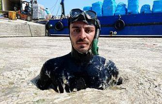Antalyalı ünlü fenomen Marmara'da müsilaja daldı
