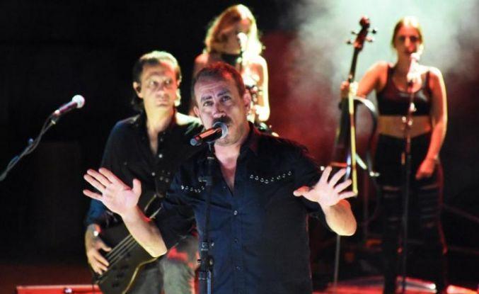 Haluk Levent'ten aşk şarkıları