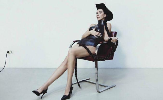 Hande Yener'in albümü 2 Ekim'de piyasada